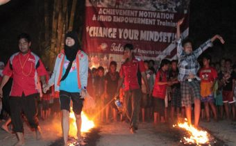 Firewalk training Jogja