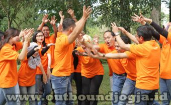 Outbound Hutan Pinus Imogiri