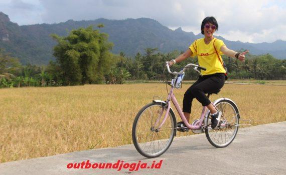 paket wisata sepeda borobudur murah