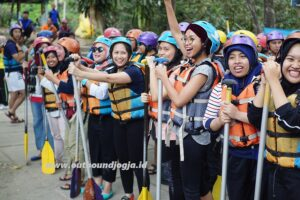 Paket outbound dan rafting magelang sungai elo