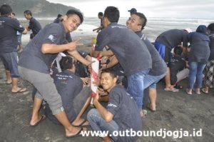 wisata outbound di pantai parangtritis jogja
